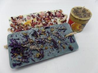 Zestaw dwóch tabliczek zapachowych + świeca lawendowa z wosku pszczelego