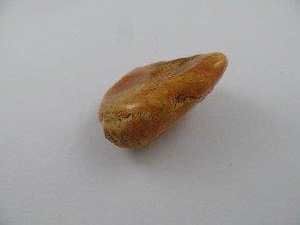 bryła bursztyn bałtycki kolor toffie pomarańcz