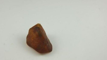 bursztyn bałtycki surowy koniakowy naturalny